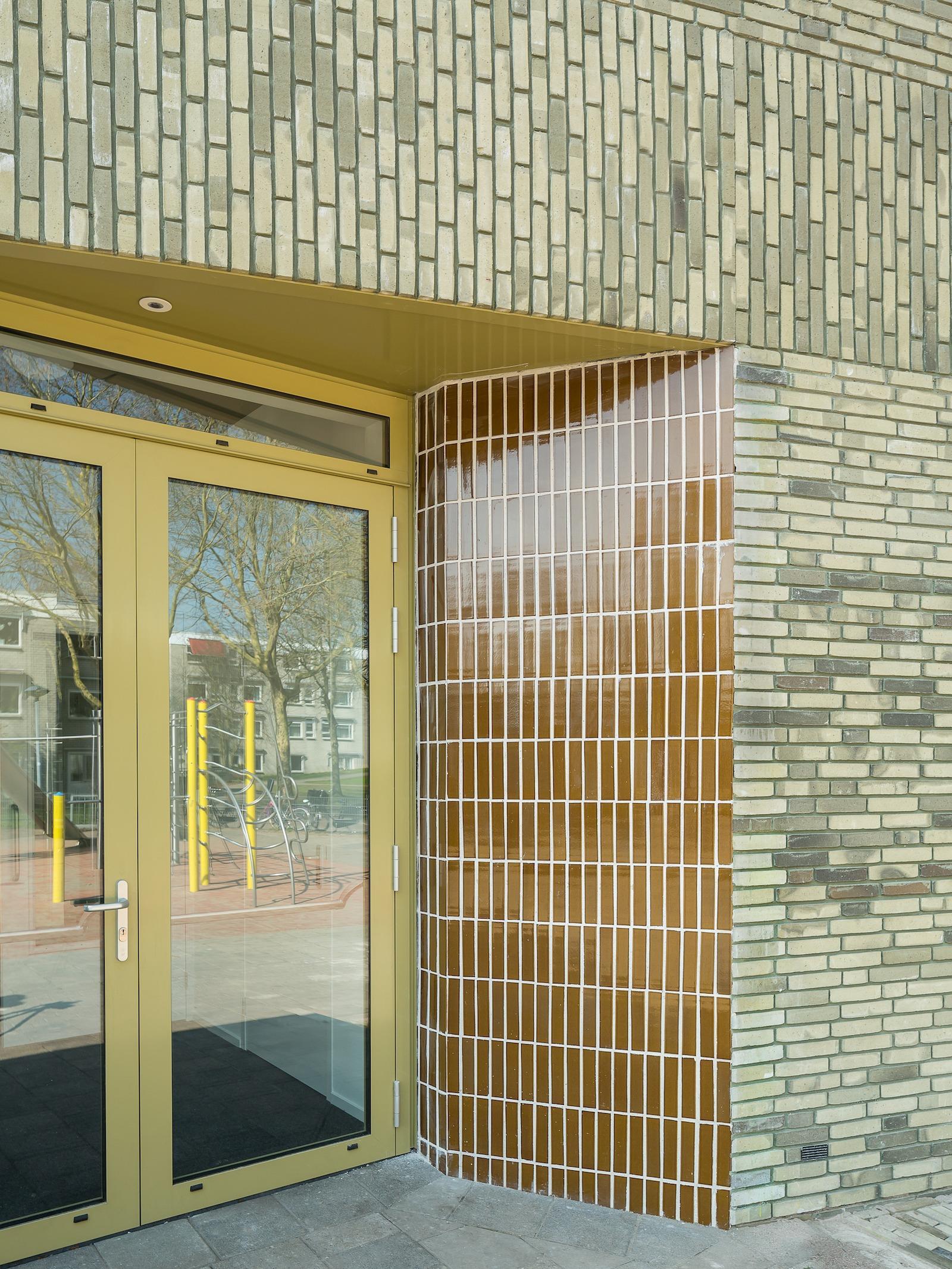 Molenwiek school Haarlem zijentree