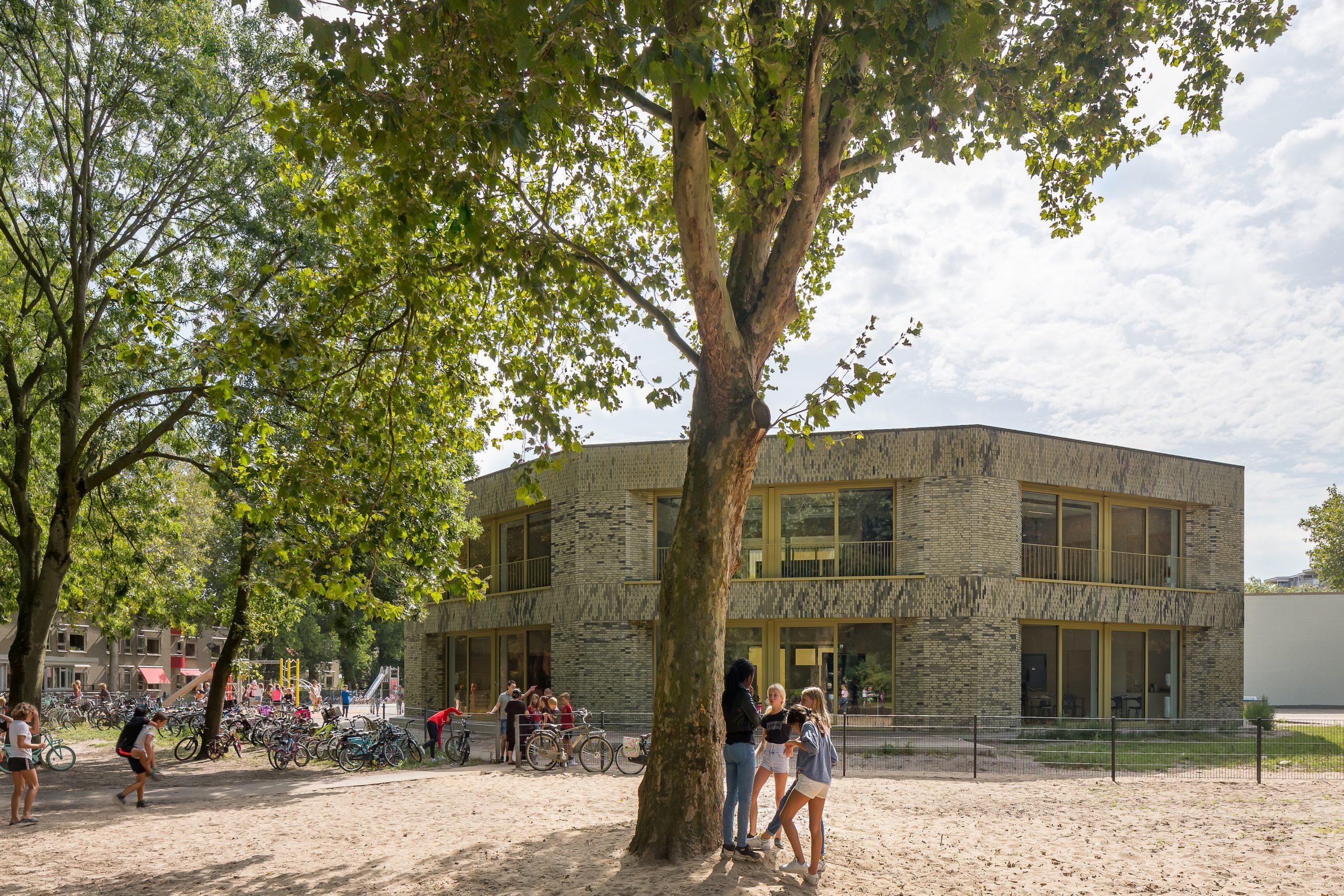 Molenwiek genomineerd voor Schoolgebouw van het jaar door Architectenweb